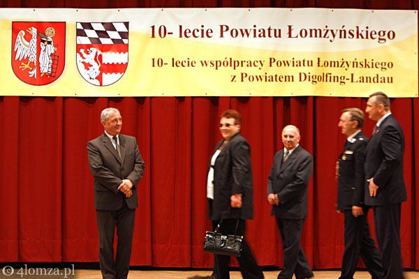 Foto: Medale dla przyjaciół powiatu łomżyńskiego