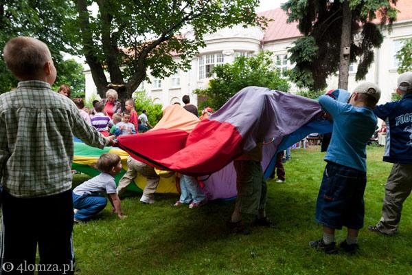 Foto: Festyn w ogrodach biskupich...