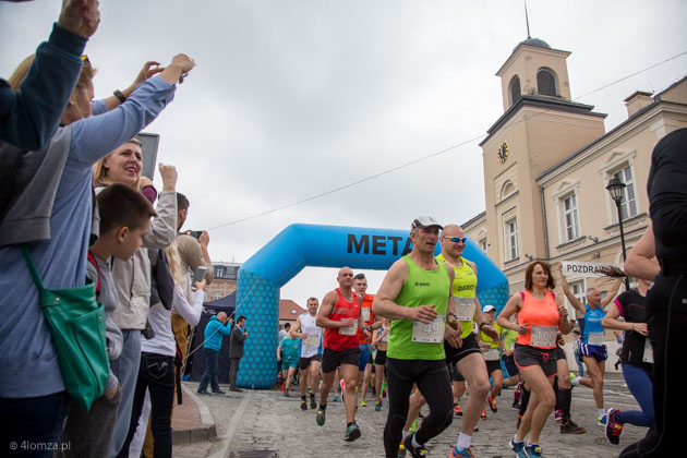 Foto: Pobiegli z Łomży do Rybna
