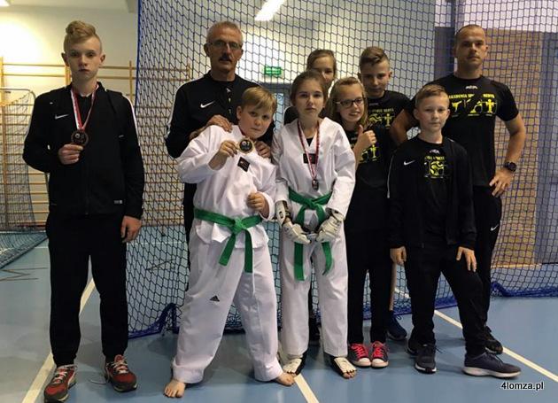 Foto: Medale młodych tekwondzistów