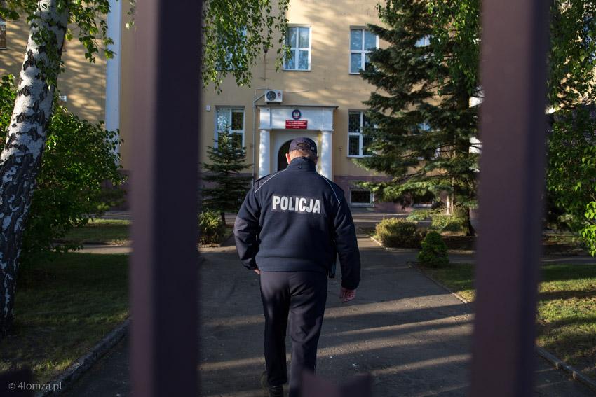 Foto: Policjanci przypilnują szkół przed maturą