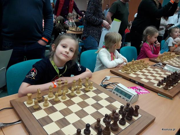 Foto: Mała szachistka