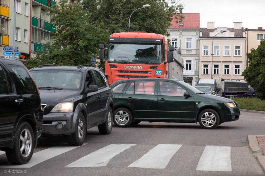 Foto: Wielki korek w Łomży... po wypadku za Szczuczynem i kolizji w Piątnicy?