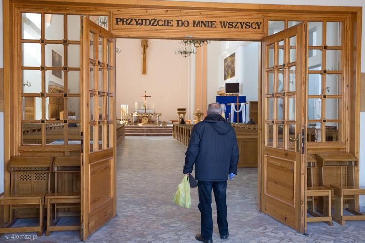 Foto: Kościoły bardziej otwarte... Podajemy ile osób może być na Mszy św. w Łomży