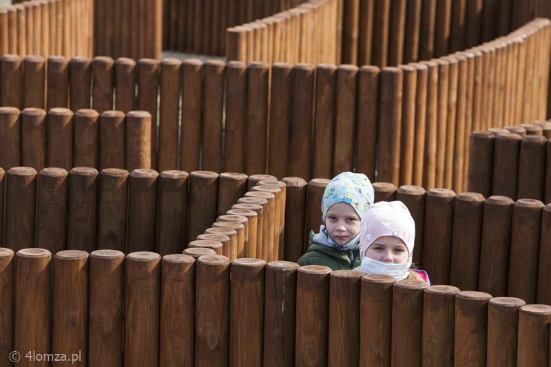 Foto: Labirynt dla dzieci przy skrzyżowaniu