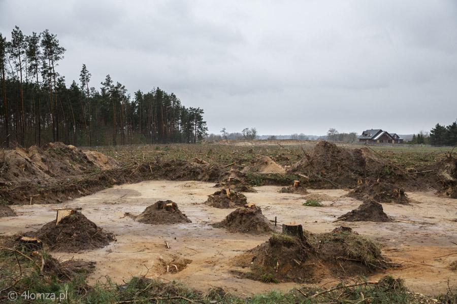 Foto: TOTO wyrzucone z budowy obwodnicy Łomży