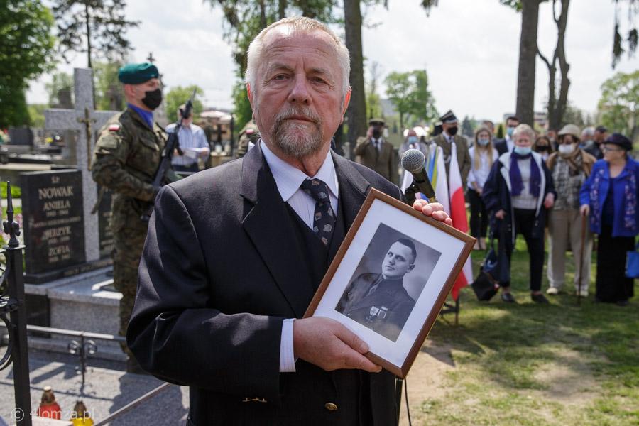 Foto: Kapral Józef Nowak ma grób odnowiony i poświęcony