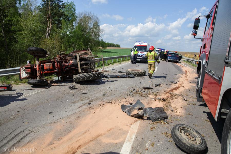 Foto: Wypadek ciągnika z osobówką
